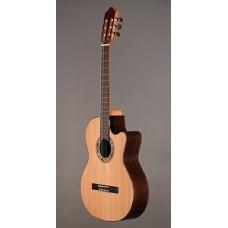 Kremona Verea Performer Series - электро-акустическая классическая гитара