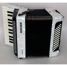 Hohner A4095 (A1695) BRAVO II 60 White - аккордеон